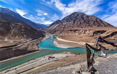 confluence-zanskar-indus-rivers