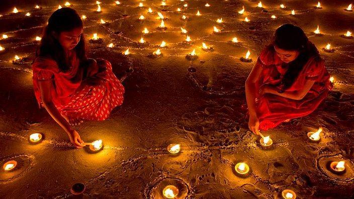 DEEPAWALI – THE FESTIVAL OFLIGHTS.
